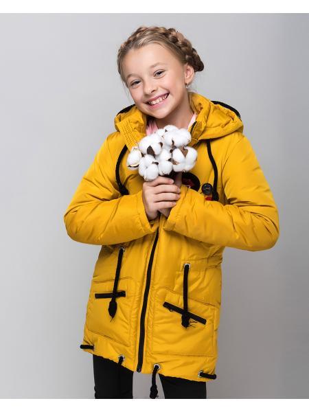Весенняя куртка для девочки «значки» изображение